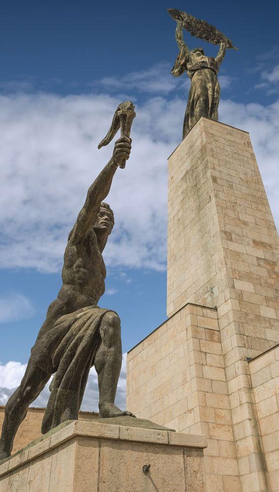 Estatua de la Libertad, Budapest