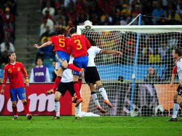 El gol de Puyol a Alemania en Sudáfrica