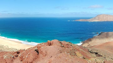 Playa de las Conchas desde la Montaña Bermeja