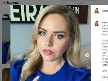 La periodista Victoria Price ha contado en sus redes sociales que una espectadora le alertó de que podía tener cáncer