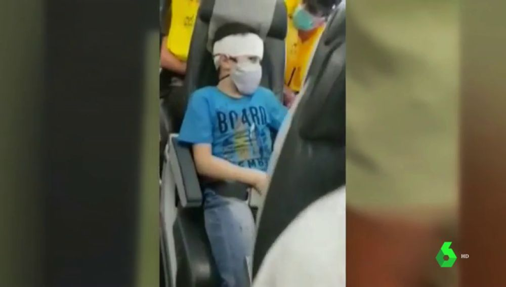 Pánico, maniobras de riesgo y heridos: impactantes imágenes en un avión por la aproximación de dos cazas