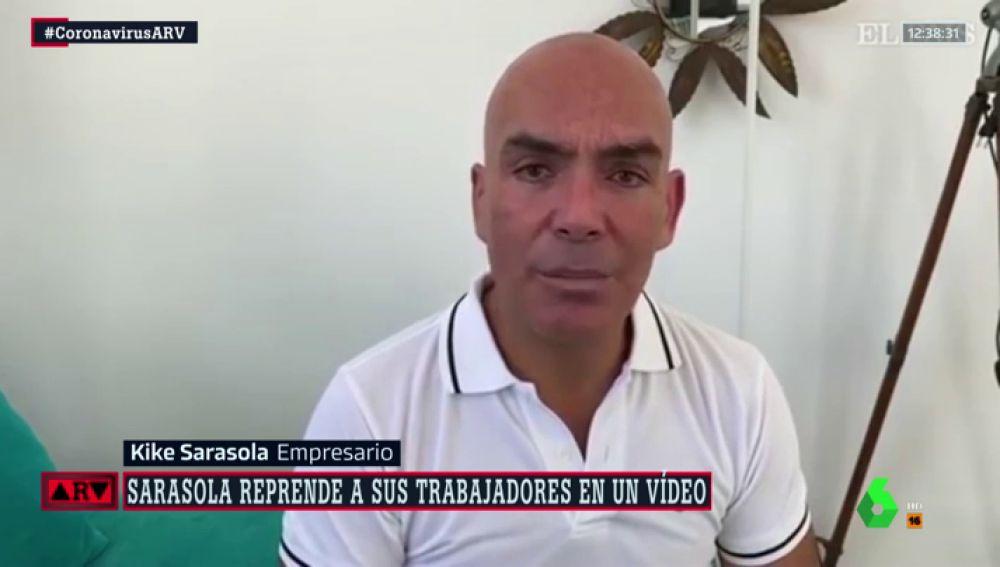 Kike Sarasola en un vídeo a sus trabajadores