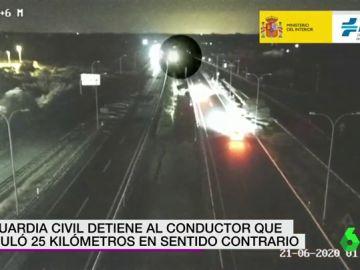 Detenido un conductor que circuló 25 kilómetros en sentido contrario en la AP-49 en sentido Portugal