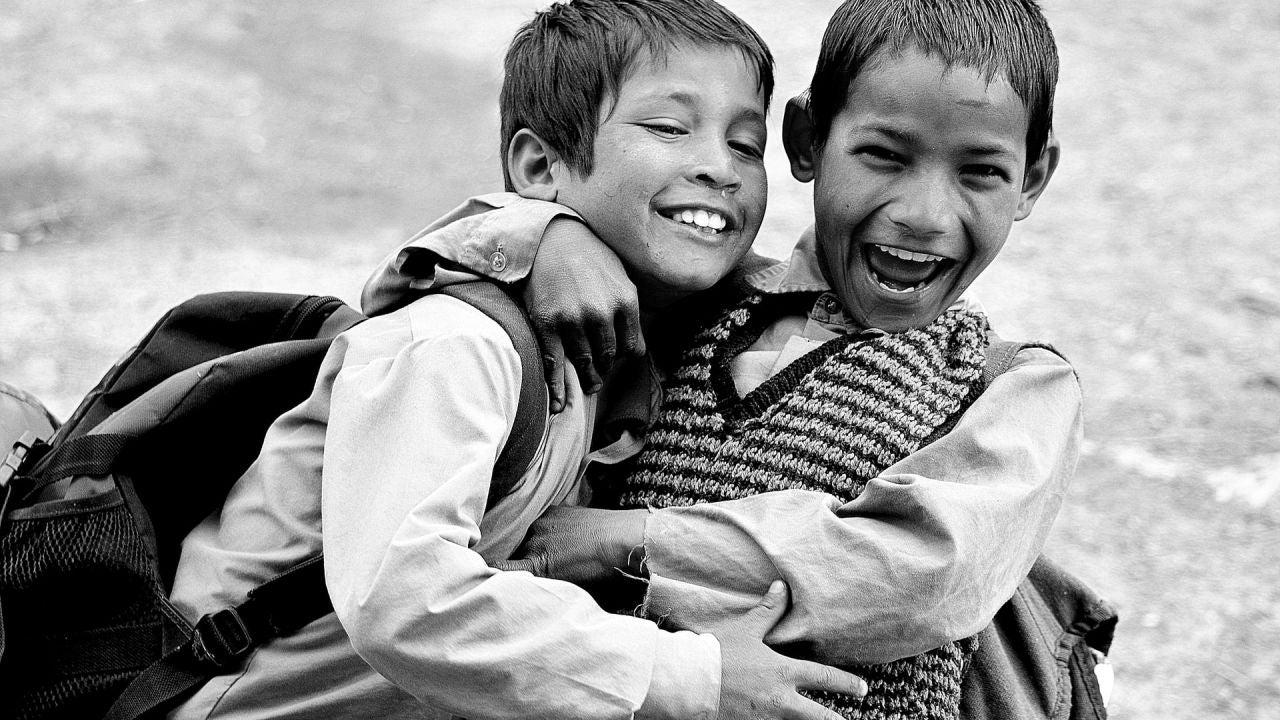 Día Internacional de la Amistad: el sueño de un médico que lucho medio siglo por su aprobación