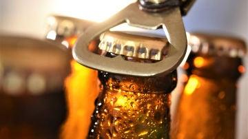 Imagen de archivo de un botellín de cerveza.