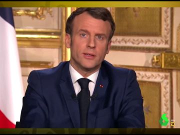 Vídeo manipulado - Macron imita al rey Juan Carlos durante su discurso a los franceses