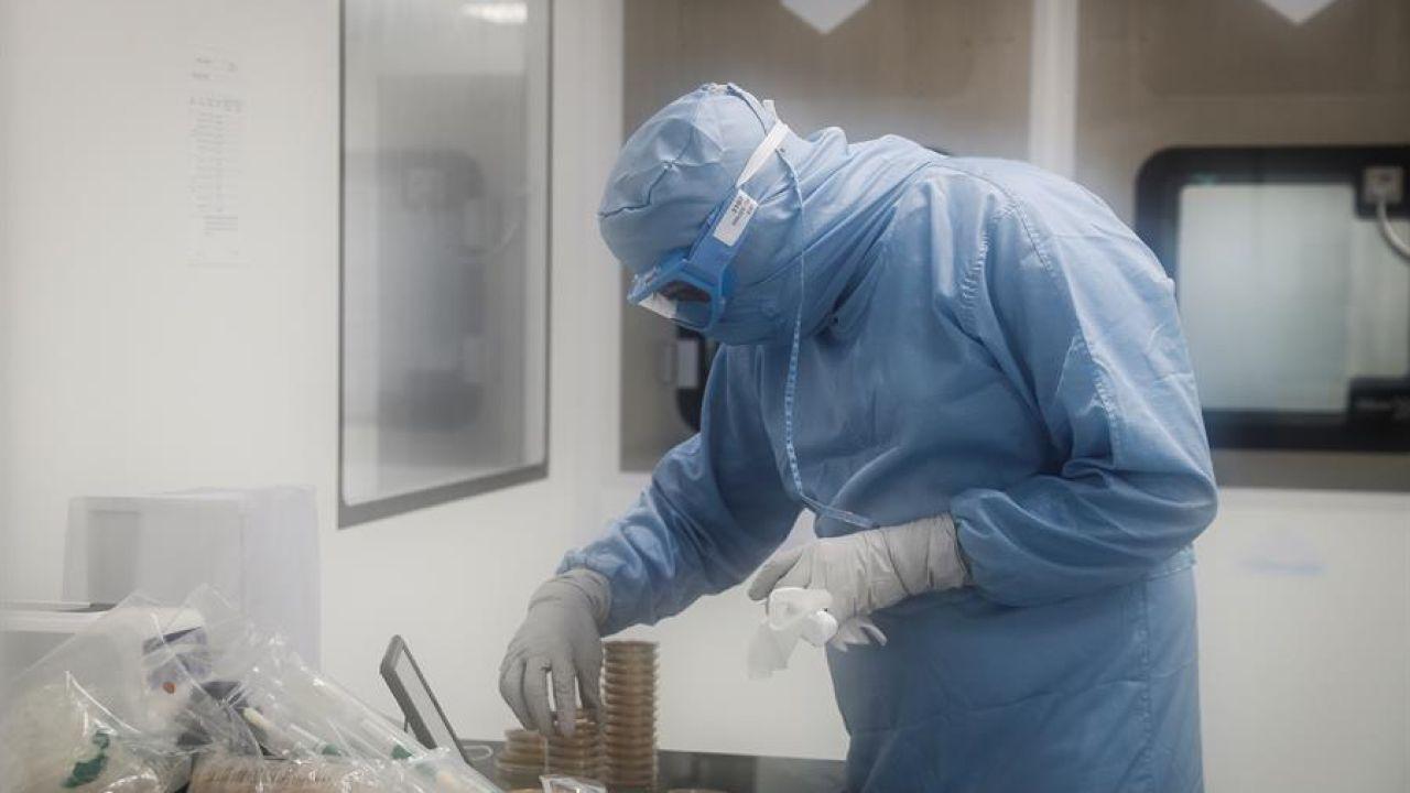 Laboratorios y universidades de mundo están en carrera para producier una vacuna que contrarreste al nuevo coronavirus