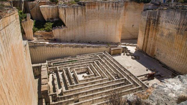 Laberinto de Piedra, Líthica
