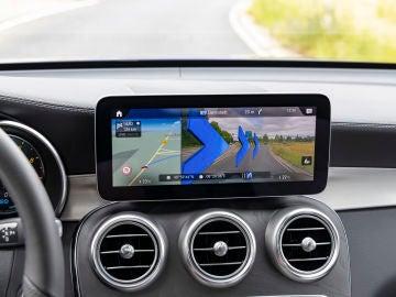 Mercedes trabaja en implementar la realidad aumentada