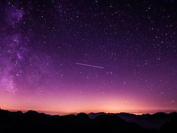 Las 3 diferencias entre perseidas y acuáridas: así se comportan estos meteoros