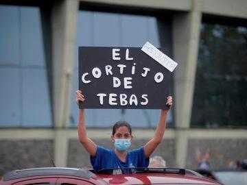 Una aficionada del Dépor se manifiesta en la marcha organizada en A Coruña