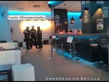 Imagen del bar desalojado en Sevilla