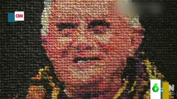 Una artista recrea un retrato de Benedicto XVI con 17.000 preservativos