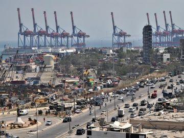 Vista general del puerto de Beirut.