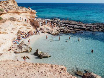 Destinos para viajar con amigos sin salir de España