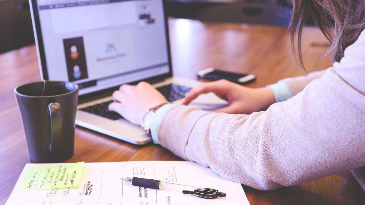 Cómo emprender y montar tu propia empresa