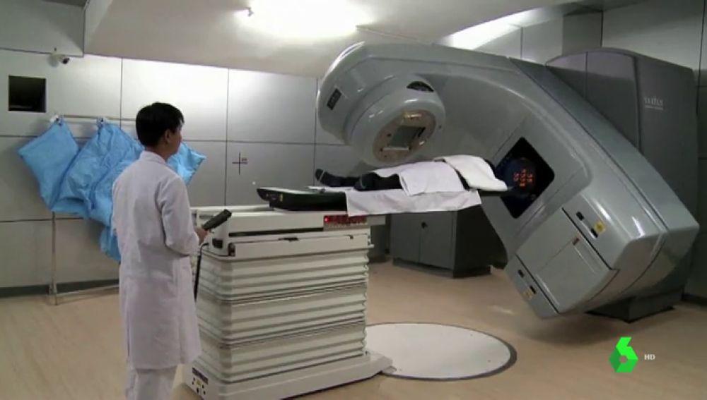 """Tratar con radioterapia a pacientes con coronavirus ya es posible: """"El riesgo es mínimo en comparación al beneficio"""""""