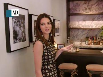 Una obra con el tamaño del pene de su artista y toda clase de lujos: así es la mansión de Kendall Jenner en Los Ángeles