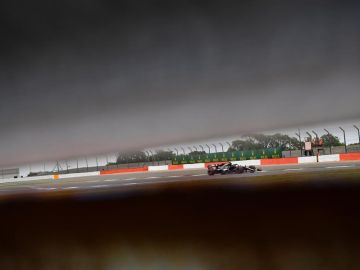 Hamilton lidera el primer entrenamiento de Silverstone