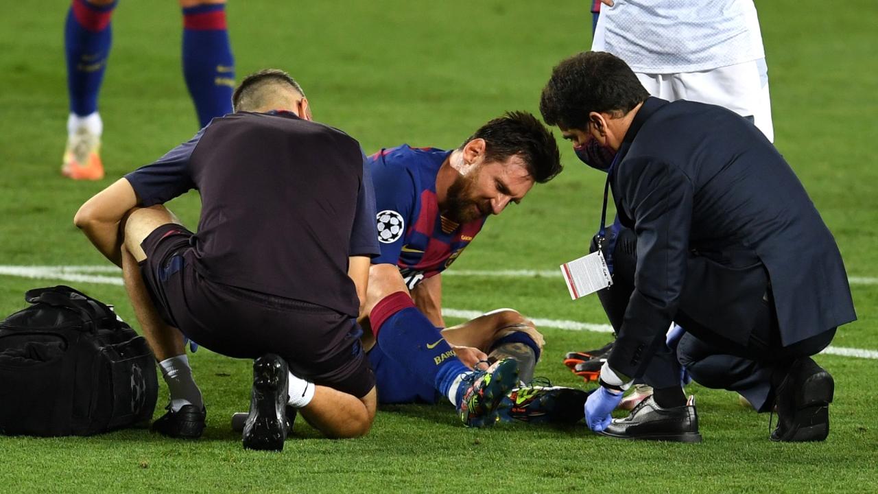 Messi, dolido en el césped