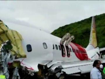 Hallan las cajas negras del avión estrellado con 18 fallecidos al suroeste de India