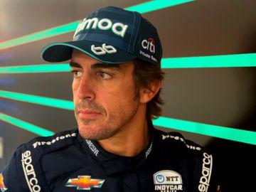 Fernando Alonso, con el mono de las 500 Millas