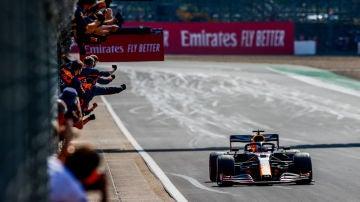 Victoria para Max Verstappen