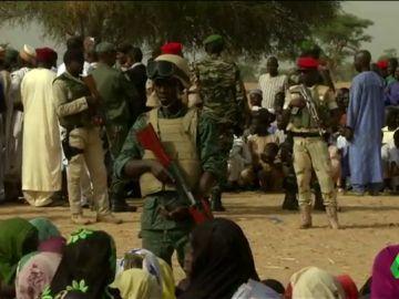 Seis turistas, su guía y su chófer son asesinados a tiros en Níger por dos hombres en moto