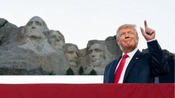Donald Trump durante una visita al monte Rushmore