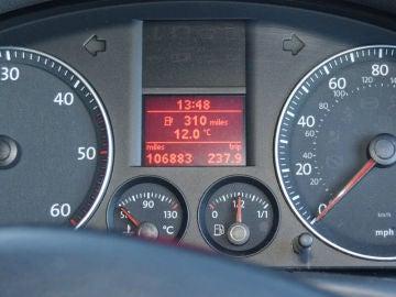 ¿Cuántos kilómetros puedes recorrer con la reserva del coche?