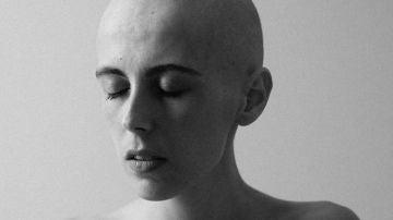 La periodista y fotógrafa Olatz Vázquez retrata su enfermedad.