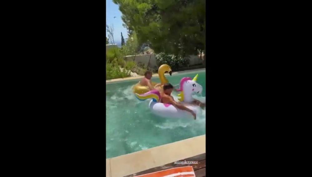La divertida carrera de Marcos Llorente en una piscina: ¿hizo trampas?