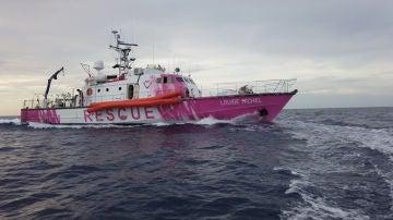 El barco de rescate patrocinado por Banksy