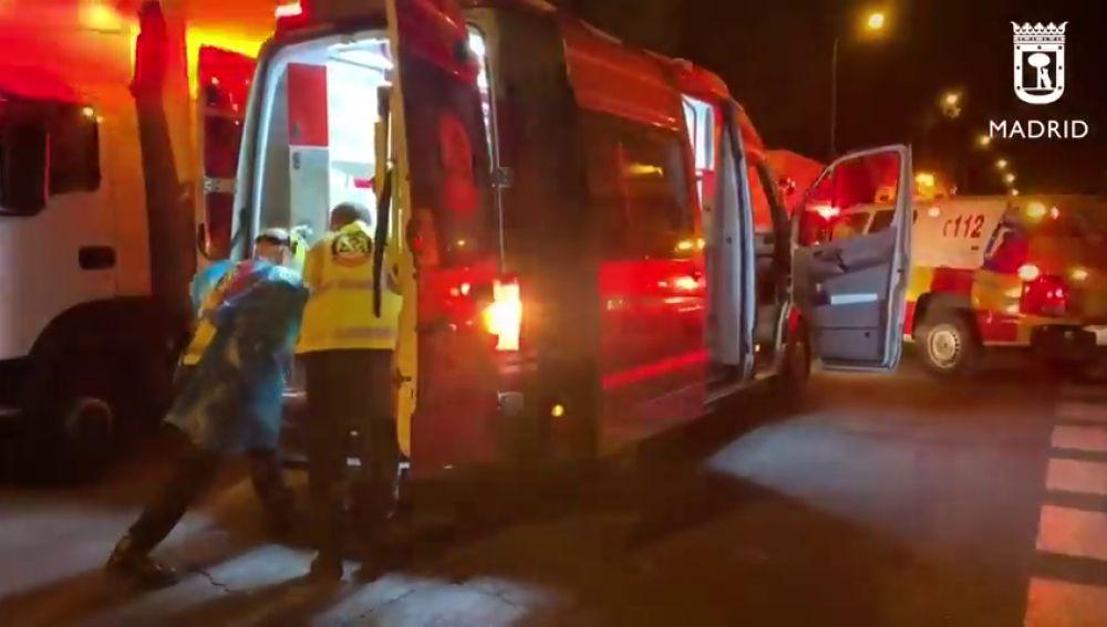 Dos menores y un joven, heridos en una pelea con cuchillos y navajas entre bandas latinas en Madrid