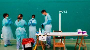 Sanitarios buscan controlar un posible brote de COVID-19 en Getaria (Guipúzcoa)