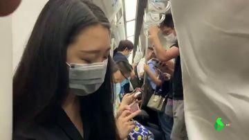 Pasajeros en el interior de un autobús