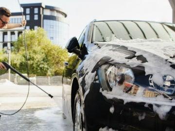 Limpiar el coche es fundamental, más en los tiempos del coronavirus