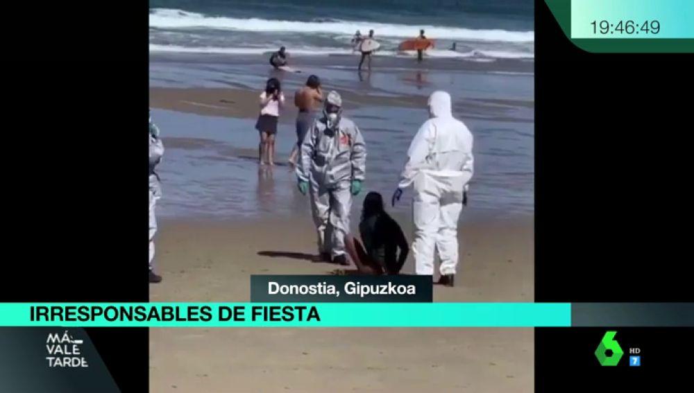 Detienen a una mujer positivo de coronavirus tras saltarse la cuarentena y huir de los agentes para surfear en Donostia