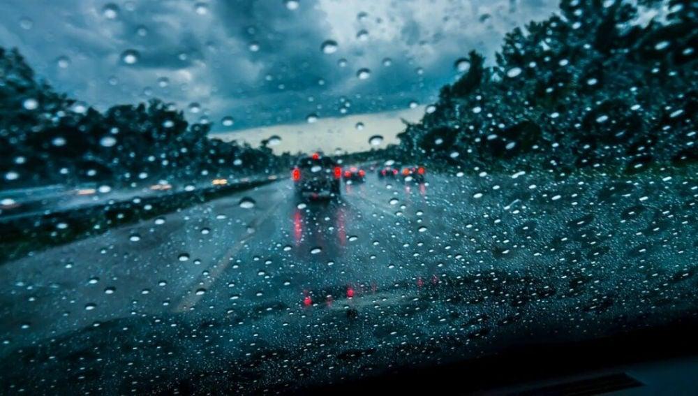 Si la lluvia es muy fuerte, es mejor no coger el coche