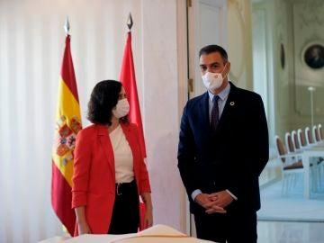Pedro Sánchez e Isabel Díaz Ayuso se reúnen en la Puerta del Sol de Madrid