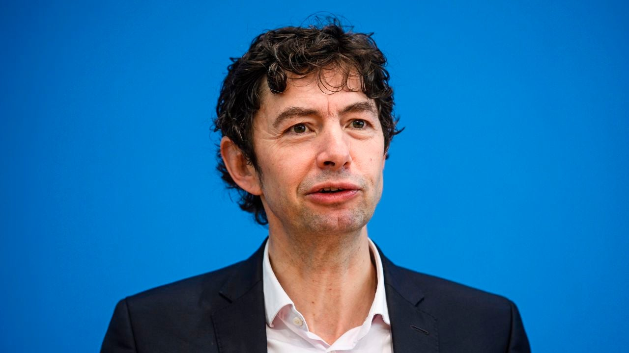 Virólogo alemán advierte que la verdadera pandemia apenas llegará