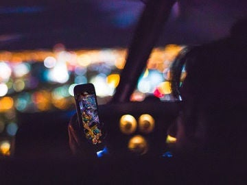 Con esta nueva aplicación, podremos usar WhatsApp sin dejar de mirar la carretera