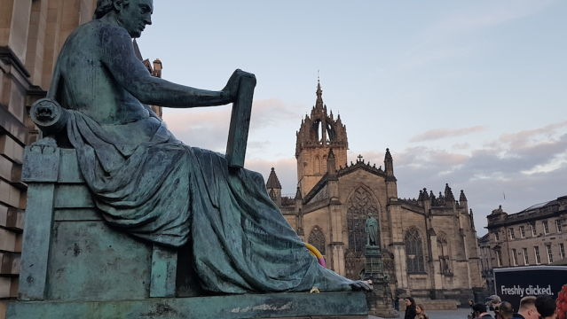 Estatua David Hume