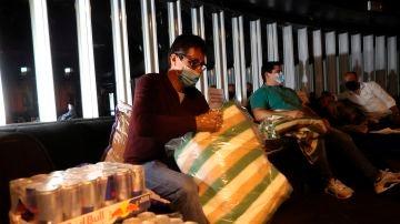 Empresarios del ocio nocturno se encierran en sus locales para reclamar una ampliación de los ERTE