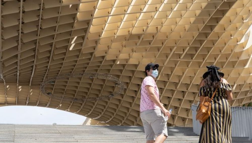 El turismo se hunde en España: Cataluña, Baleares y Andalucía, las más damnificadas por la pandemia