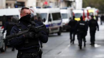 Cuatro heridos en un ataque con cuchillo en París, cerca de 'Charlie Hebdo'