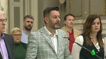 """El concejal valenciano que hizo 'playback' hablando en inglés rechaza dimitir y cree """"se ha magnificado mucho el caso"""""""
