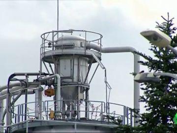 Confinan a 29 trabajadores de una fábrica de Martorell por una fuga de ácido