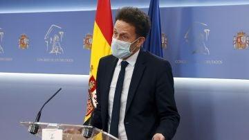 Edmundo Bal en rueda de prensa