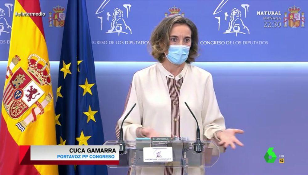 El 'lío' de Cuca Gamarra al explicar por qué llama dictador a Sánchez: